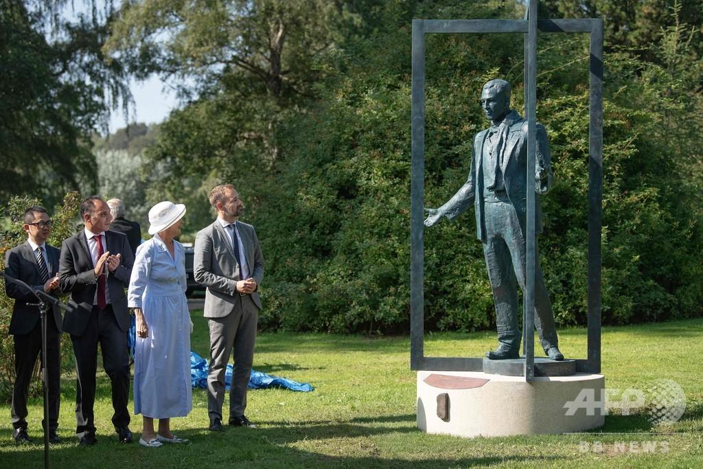 南京事件で中国人救ったデンマーク人の像、故郷で除幕式 女王も出席