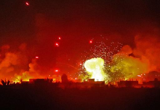 シリア最後のIS拠点、戦闘員と親類ら3000人投降