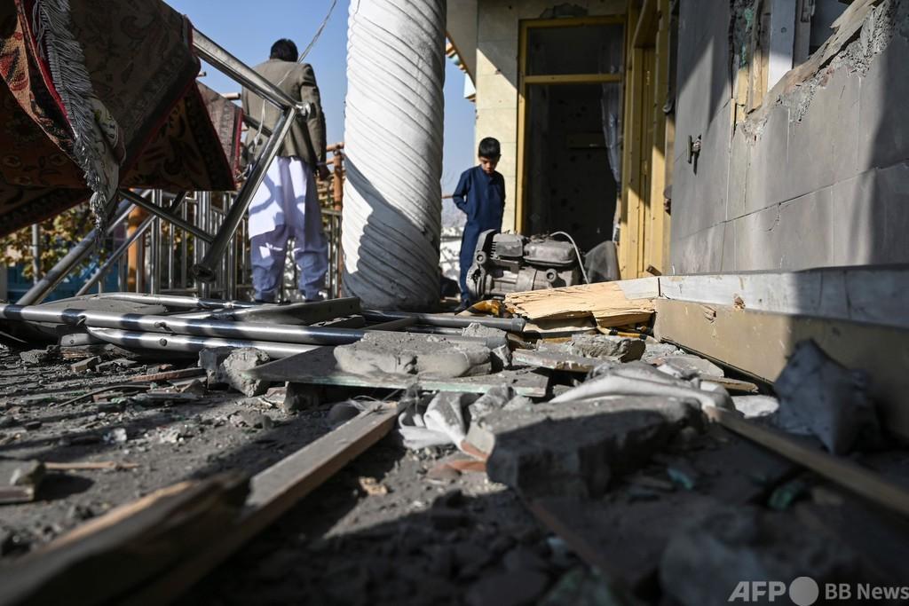 アフガニスタン首都にロケット弾、8人死亡
