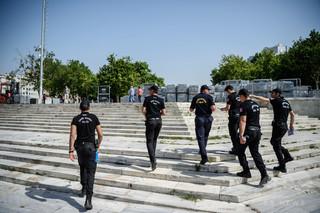 イスタンブールで男が警官を刺殺 ISメンバーか