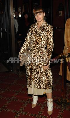映画「Factory Girl」プレミア上映会開催、女優ミーナ・スヴァーリが登場 - 米国