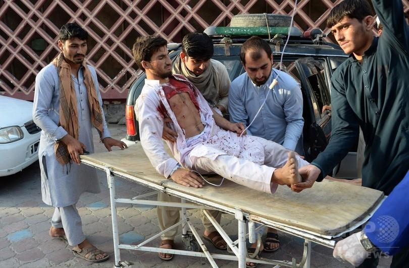 アフガンでISが自爆か 25人死亡 大統領はタリバンとの停戦延長表明