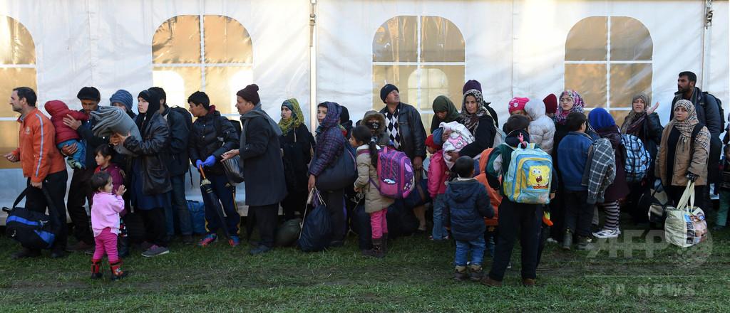 移民の子どもたちの水泳教室に批判相次ぐ オーストリア
