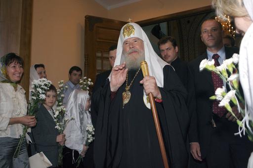 ロシア正教総大司教、リガの大聖堂で信者を祝福 - ラトビア