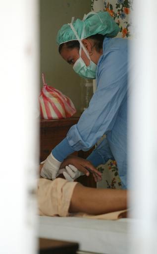 中南米地域でHIV感染者が増加、約3分の1が女性