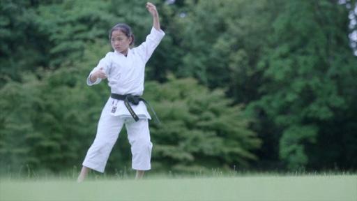 動画:早過ぎた東京2020、13歳空手少女が抱く五輪の夢