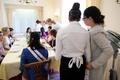 スイス最後のフィニッシングスクールで学ぶ礼儀作法