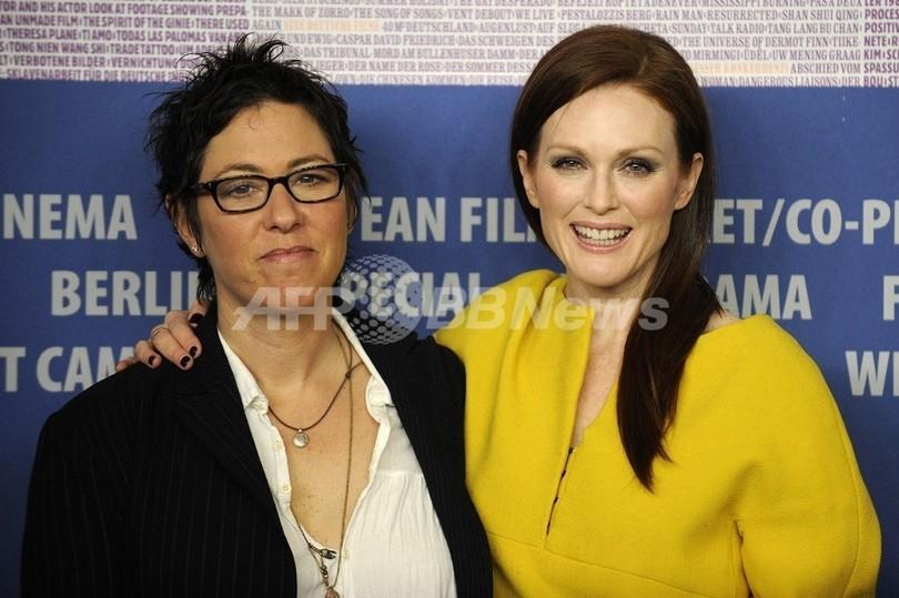 J・ムーア&A・ベニング、新作でレズビアンのカップルに ベルリン映画祭