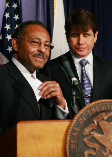 汚職疑惑のイリノイ州知事、オバマ氏後任議員を指名