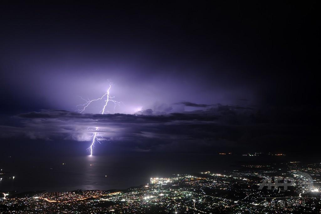 落雷、気候変動で2100年までに50%増も 米研究