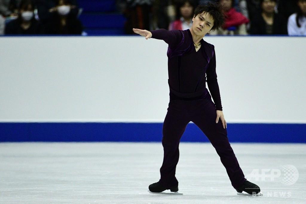 宇野が首位発進、4回転で転倒も「思い切りいった結果」 NHK杯