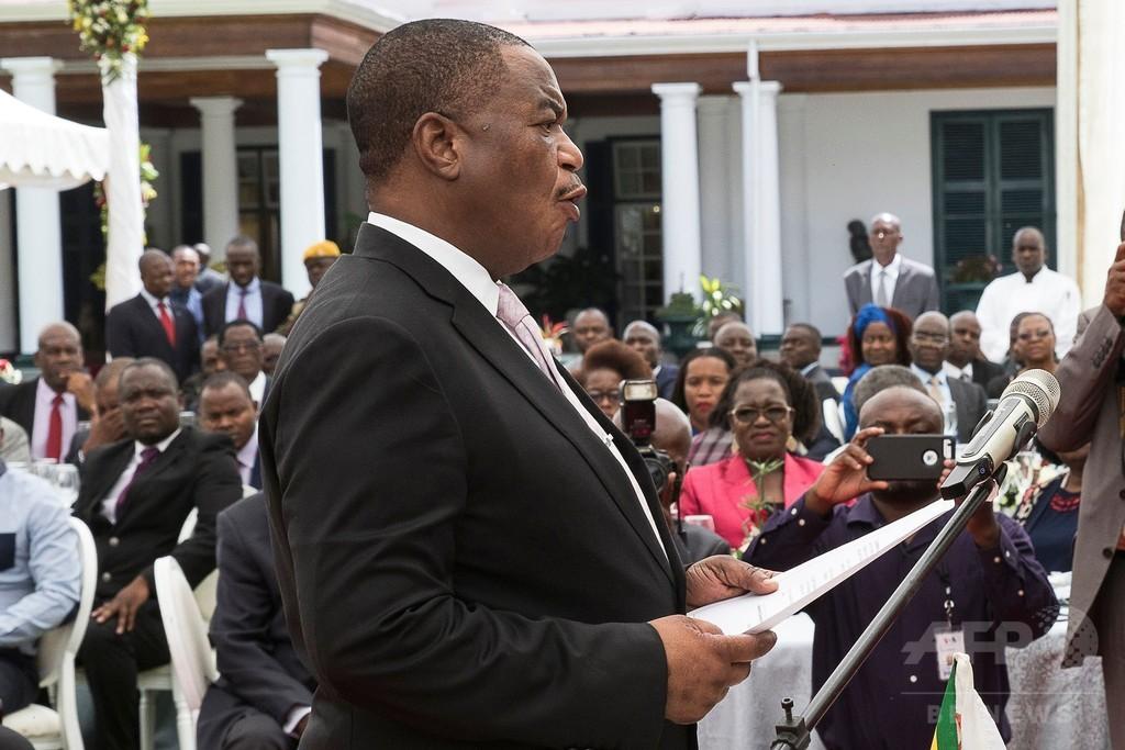 ジンバブエ政変主導の前軍司令官、副大統領に就任