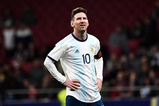アルゼンチンがベネズエラに敗れる、代表復帰のメッシは負傷