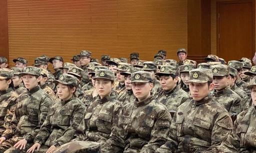 目的は「東京五輪に向けて最後の仕上げ」 中国卓球代表が軍事訓練に参加