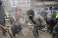 ネパール地震、死者1200人超える エベレストで雪崩も 被害全容は不明