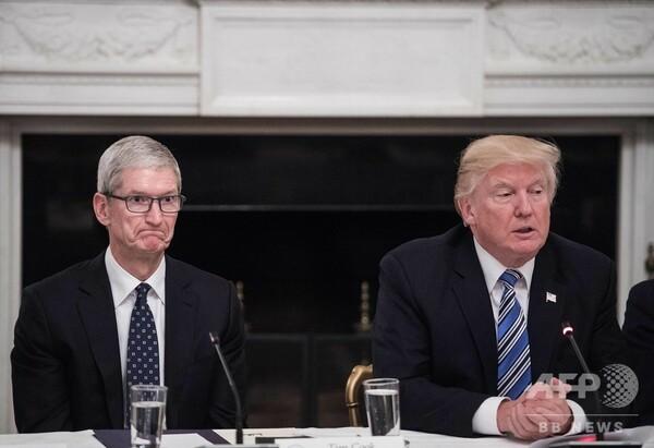 iPhone「米国で生産して」 トランプ氏、アップルに注文