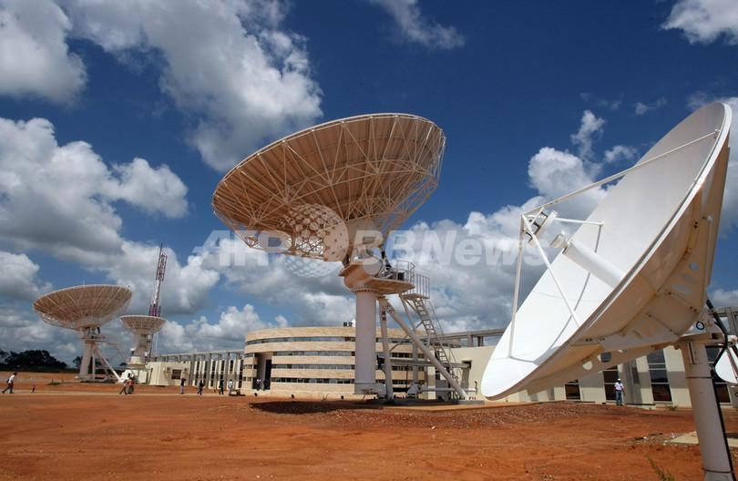 ベネズエラ初の通信衛星打ち上げ、「南米統合の象徴」とチャベス大統領