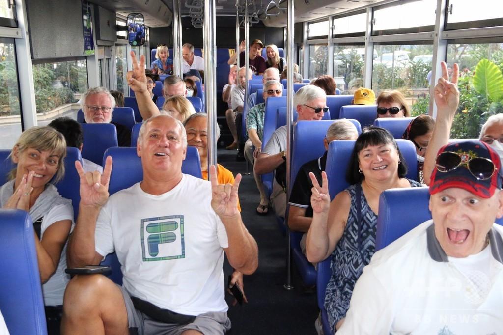 カンボジア下船クルーズ客、世界へ拡散で緊張走る 首都ではバスツアー