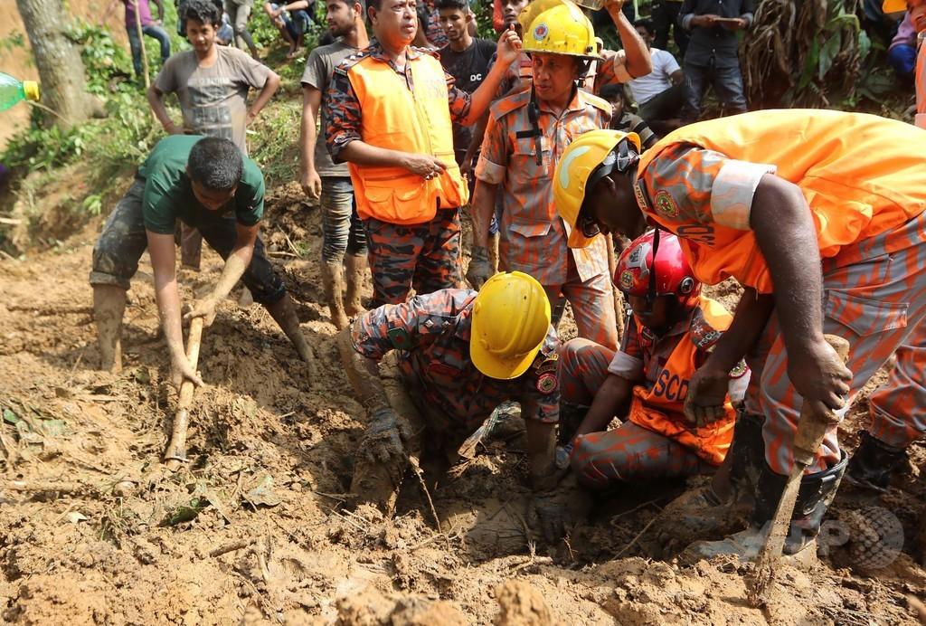 バングラデシュ土砂崩れ、死者152人に さらに増加の恐れ
