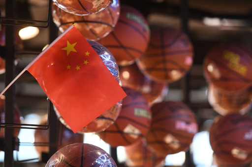 中国国歌演奏時に国旗見ず、仏バスケ選手に罰金処分