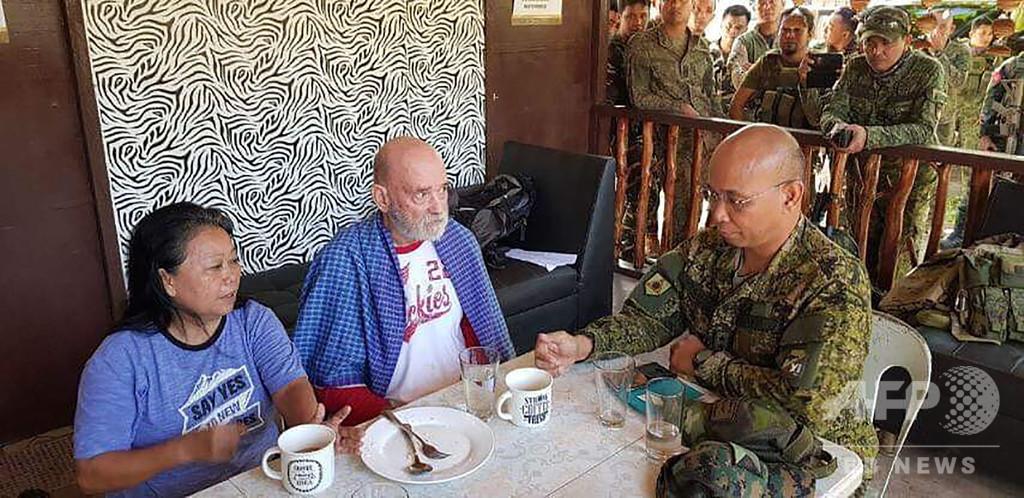 フィリピン軍、IS系武装集団に拉致された夫婦救出 約2か月拘束