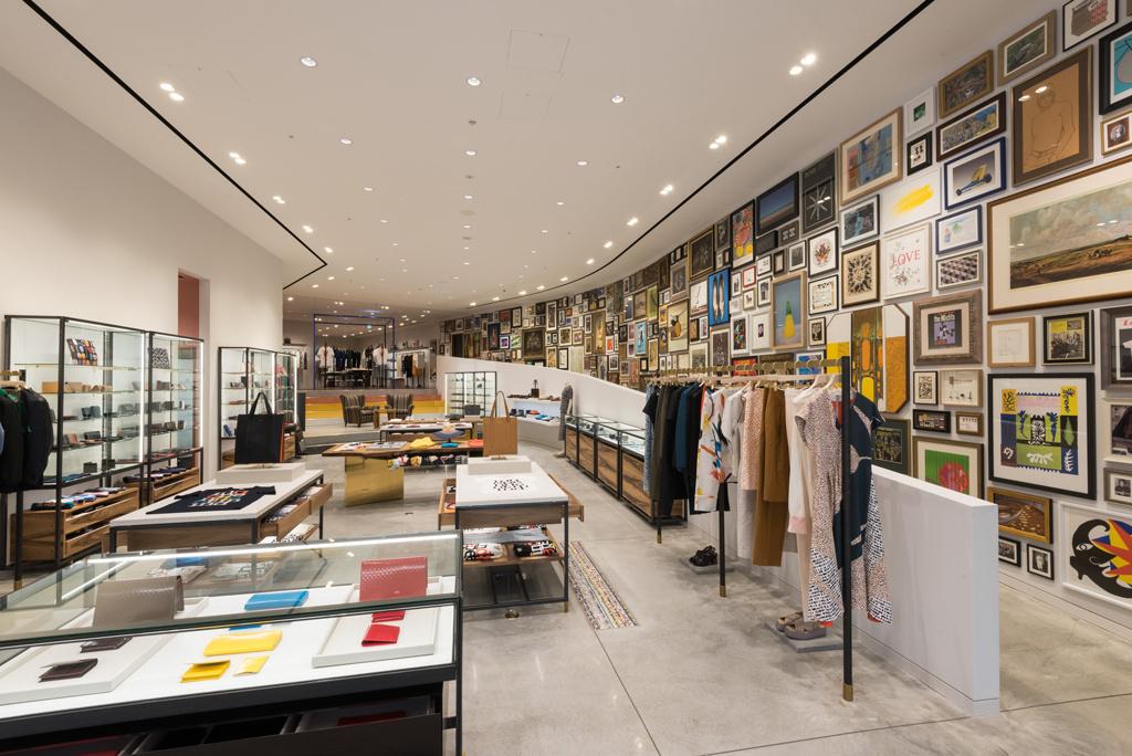 世界最大規模を誇る「ポール・スミス」六本木店が誕生