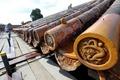 故宮修復中に乾隆帝時代の春節宮中演目表見つかる レンガと柱の間から