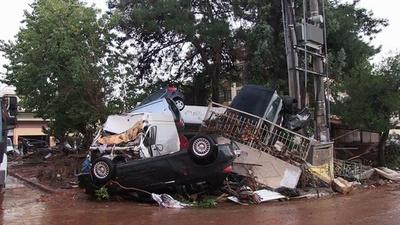 動画:豪雨による洪水で少なくとも7人死亡、ギリシャ