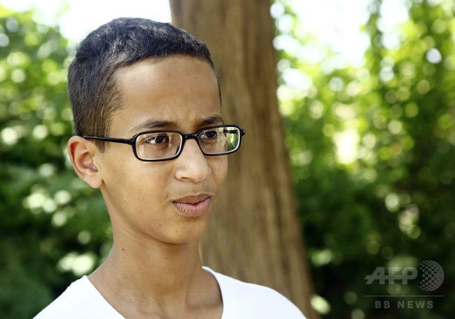 自作時計で拘束の米イスラム教徒少年、18億円の賠償要求
