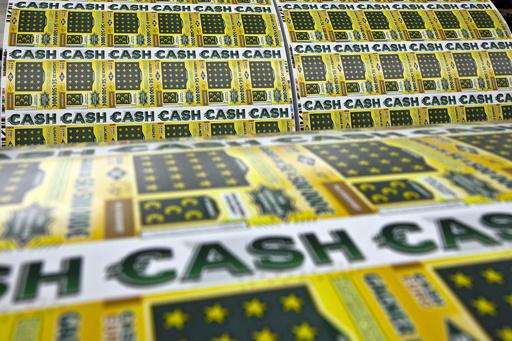 忘れていた宝くじが8300万円の大当たり、支払い期限直前に発見 カナダ