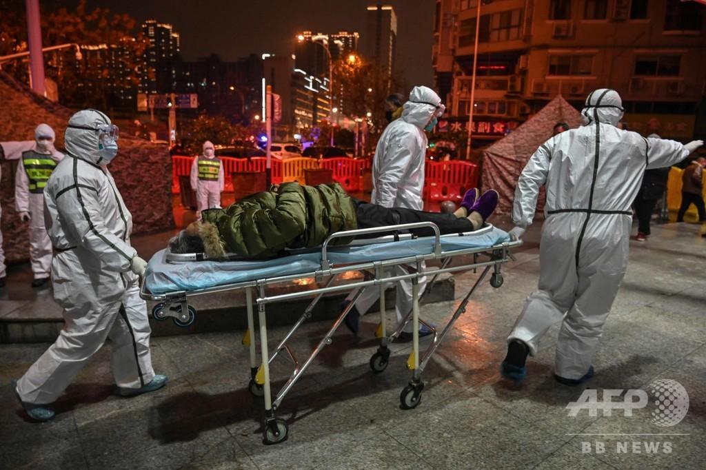 「まるでホラー映画」 中国・武漢の病院、長蛇の列 募る恐怖といら立ち