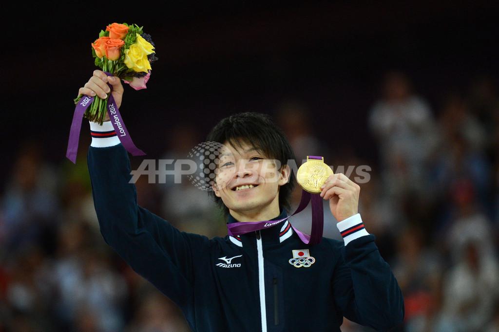 内村が金メダル獲得、体操男子個人総合