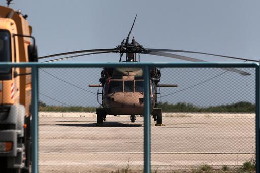 トルコ軍の8人がヘリコプターで逃亡、ギリシャで亡命申請