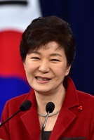 韓国の朴大統領が新首相を指名、支持率は就任後最低に