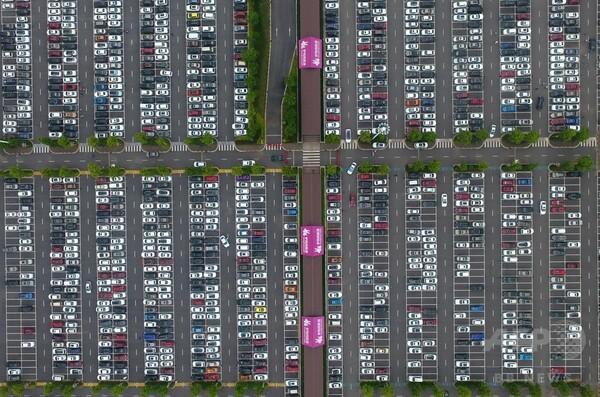 回路基板のような駐車場 中国