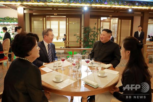 韓国大統領の支持率61%に急上昇、南北首脳会談受け