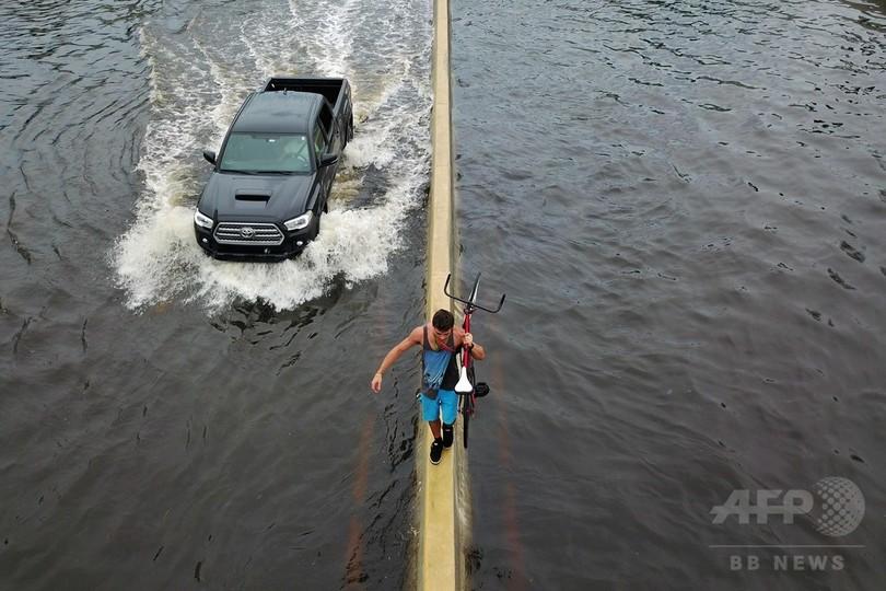 「過去百年で最強」ハリケーン、プエルトリコを「完全に破壊」