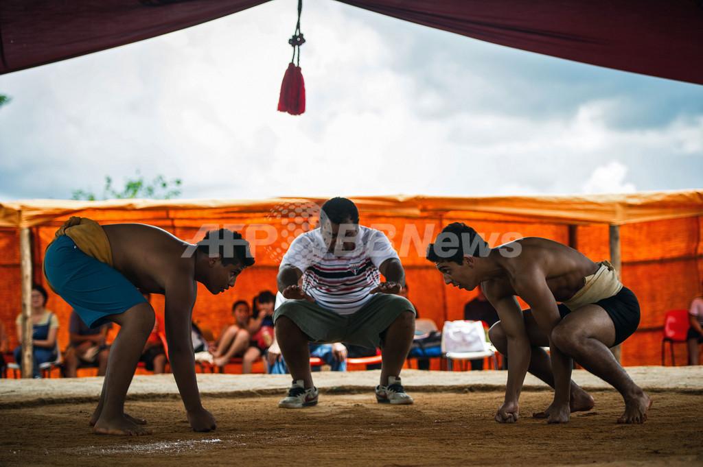 ブラジルで相撲大会、男女18歳未満の部