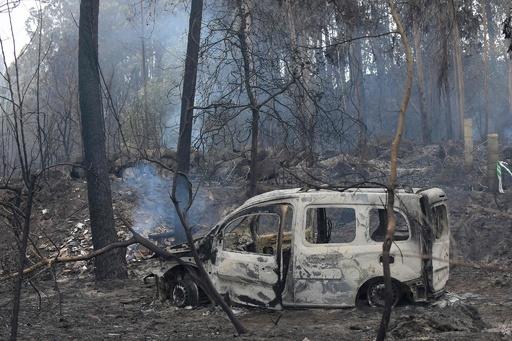 ポルトガルの山火事、死者27人に スペインでも3人死亡