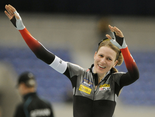 グローブス 女子3000メートルで優勝