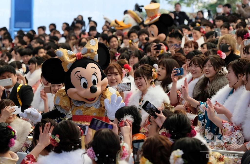 ねずみ年の新成人をミッキー・ミニーが祝福、東京ディズニーランド