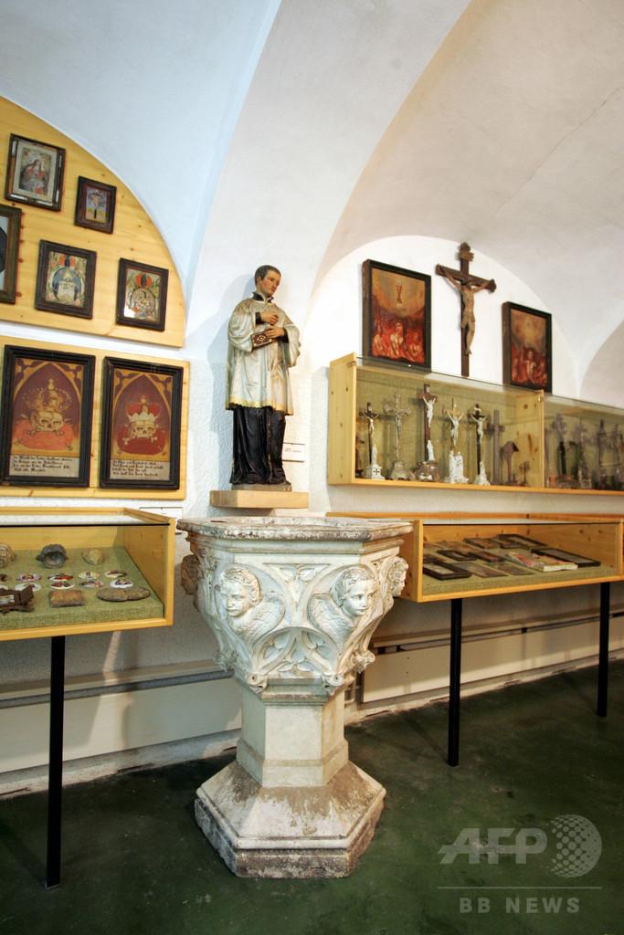 教会が酒臭い…何者かが聖水盤にブランデー フランス