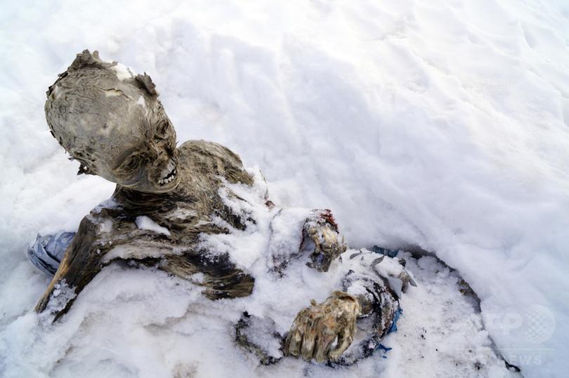 メキシコ最高峰でミイラ化した2遺体見つかる