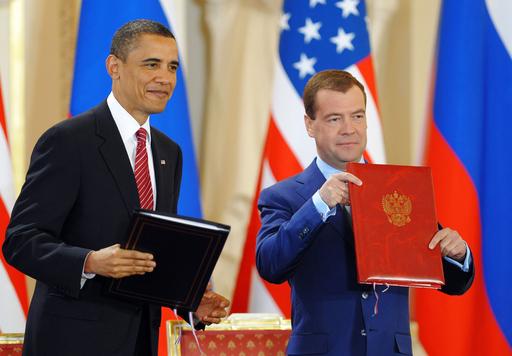 米露、新核軍縮条約に調印