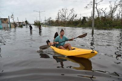 プエルトリコ、ダム決壊の恐れ 7万人に避難命令
