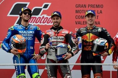ドビツィオーソが最終戦勝利、雨でリタイア続出のバレンシアGP制す