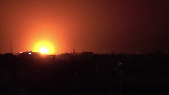 動画:サウジ連合軍、イエメン反体制派拠点に空爆