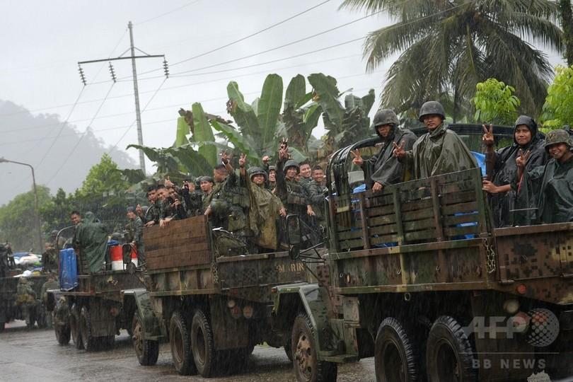フィリピン国防相、南部でのIS系武装勢力との戦闘終結を宣言