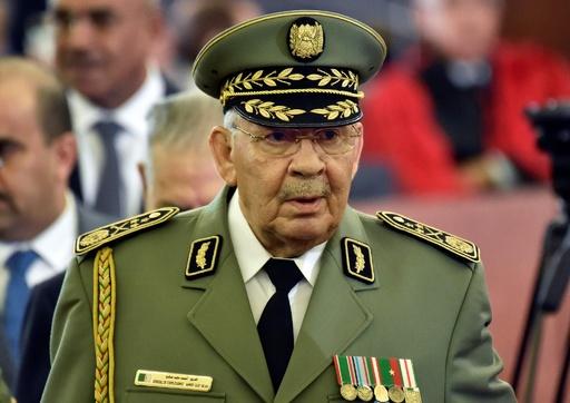 アルジェリアのガイドサラハ軍参謀総長が死去、79歳 事実上の最高実力者