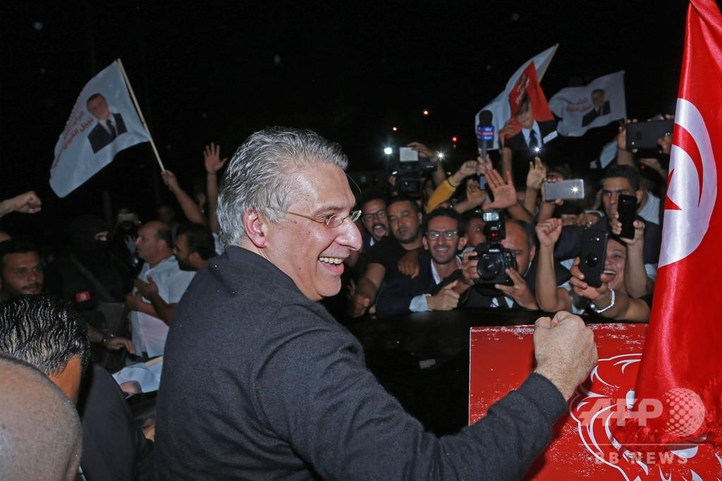 チュニジア、資金洗浄疑惑で拘束のカルウィ候補を解放 大統領選を前に
